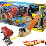 Hot Wheels Monster Jam Smash Up Station Set
